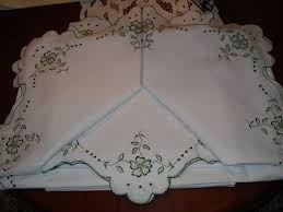 Resultado de imagen para manteles bordados a maquina
