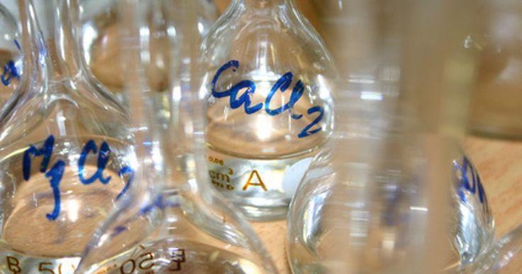 Proyectos de química únicos para la secundaria. Hay miles de proyectos de química para la secundaria que aparecen en ferias de ciencias, pero la mayoría de ellos nunca ganan reconocimiento; simplemente no sobresalen entre el resto. Además, los datos recogidos son fortuitos y no se presentan de una manera profesional y científica. Ganar reconocimiento en una feria de la ciencia es más que una ...
