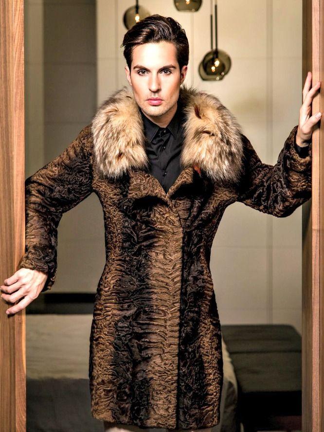"""#Camaleonico y #androgino #JavyMartín """"El nuevo valor"""". Entrevista a un GUAPO #modelo #masculino: http://lookandfashion.hola.com/aloastyle/20140107/javi-martin-el-nuevo-valor-entrevista-a-un-modelo-masculino/ #lookandfashion #Hola #HolaModa #HolaFashion"""