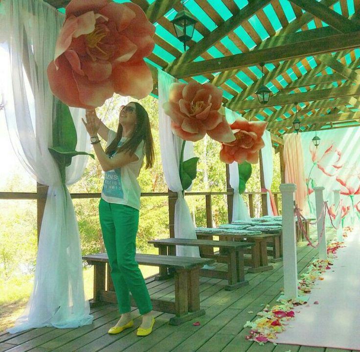 Giant paper flower love