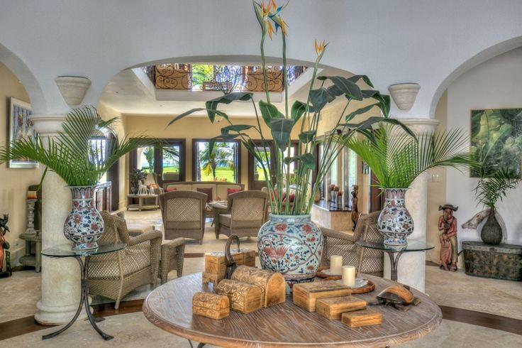 Villa Arrecife 23 is een prachtige 4 slaapkamer vakantievilla te Punta Cana Dominicaanse Republiek met schitterend uitzicht op de oceaan vanaf het zwembad