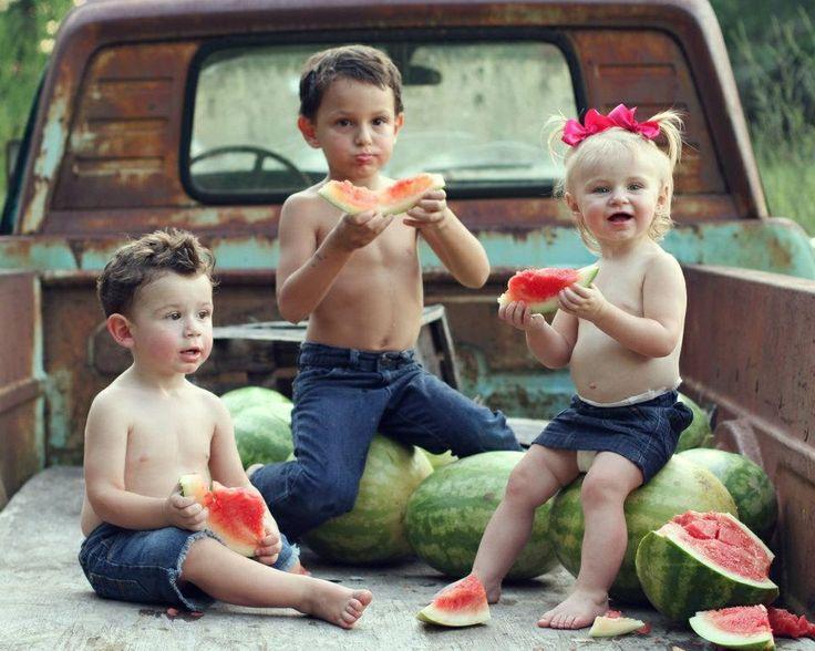 Mini session idea Children  / toddler  Photography / photo / watermelon