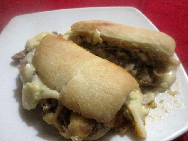 Cocina Chilena e Internacional: CARNE DESMECHADA EN MARRAQUETA CHILENA.