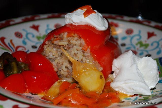Перцы, фаршированные рисом и фаршем  (или вегетарианские, без мяса)