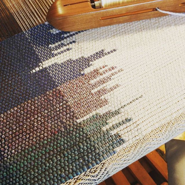 New #weaving on the big #loom! Clasped #weft plain…