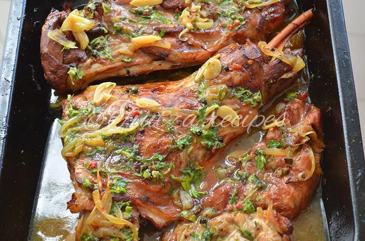 Roasted lamb recipe / Friptura de miel frageda la cuptor Pofta buna / Enjoy! #lambrecipe   #recipe   #recipeideas   #recipeoftheday   #yummy   #yummyfood   https://tiutza.recipes/retete-cu-carne/retete-miel/friptura-de-miel-frageda-la-cuptor/