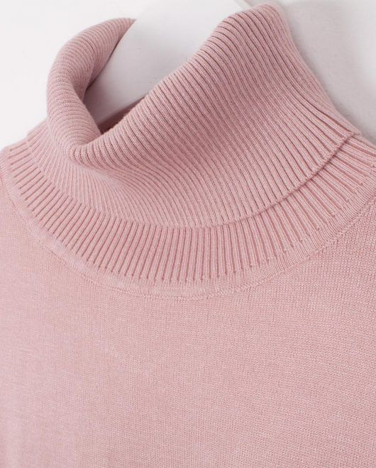 Turtleneck knitted top