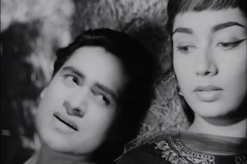 Ek Musafir Ek Hasina (1962). Directed by Raj Khosla, this film presents Joy Mukherjee and Sadhana in their second film together after debuting in Love in Simla (1960). Despite some plot loopholes and scattered character development, this film is worth a watch for Sadhana's sublime beauty, O.P Nayyar's evergreen soundtrack, and the cinematic portrayal of Kashmir. This movie must have done something right because it became the second-biggest hit at the box office in 1962!