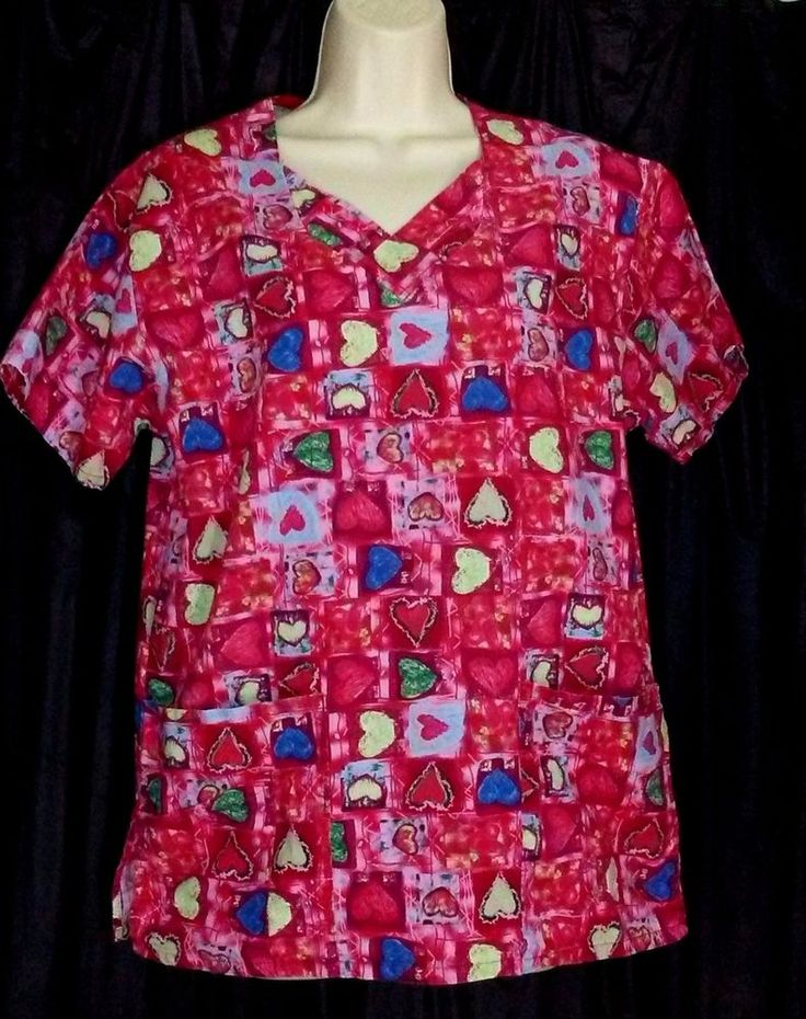 """Womens Scrub Top Valentines Day HEARTS Patchwork Red Pink Green Size XS Bust 40"""" #WhiteSwan"""