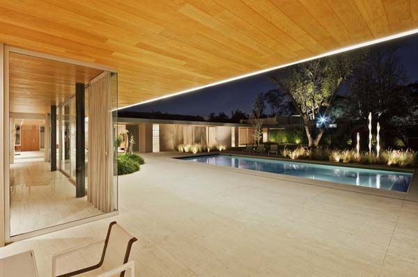 L-shaped Residence in Mexico Showcasing Bright Interior Spaces - http://freshome.com/2011/08/15/l-shaped-residence-in-mexico-showcasing-bright-interior-spaces/