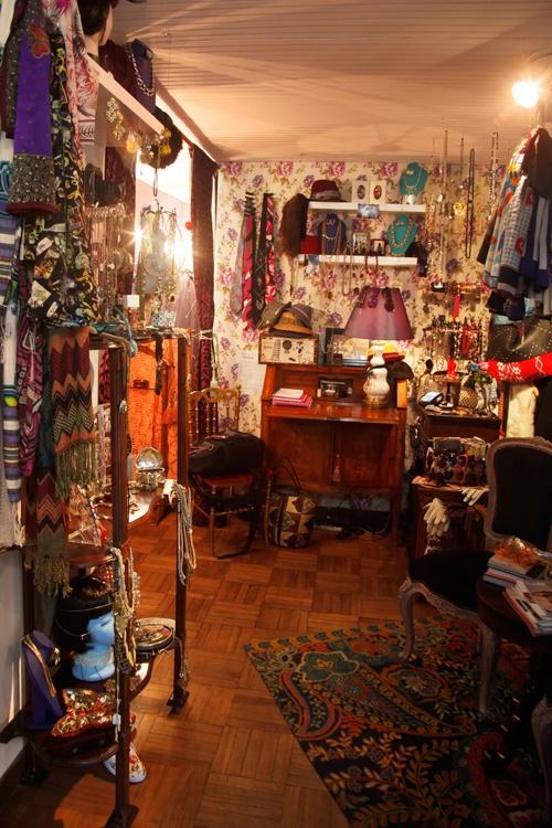 The Vintage Shop _ La íntima atmósfera de la boutique comprime una visión saturada de buen gusto y fantástico sentido de belleza.