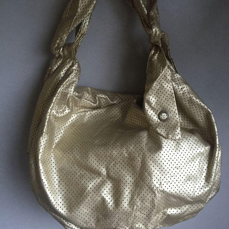 Dressbe   Bolsa Dourada Imaginarium #bolsa #dourada #imaginarium #moda #dressbe