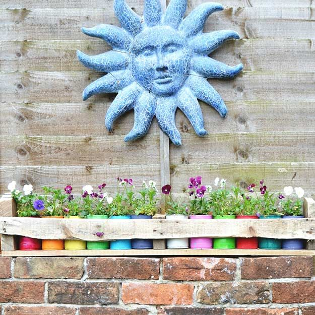 Tin Can Planters With Pallets   14 Pallet Projects For Your Garden This Spring