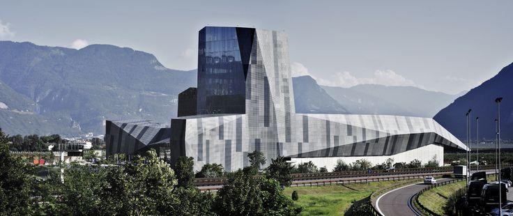 Salewa Headquarters by @PARK Associati @SALEWA #Architecture #Design #InteriorDesign #Retails #Headquarters #Bolzano #Bozen #Sportswear #Sport #Office #OberalpSpa #Multifuctional #PlanTeam #KauerandKauer #Energytech #Glass #Climbing #Crystal #Facade #Facciata #WorkandLife #Landscape #Nature #Mountains #Climbwall #Arrampicare #Ufficio