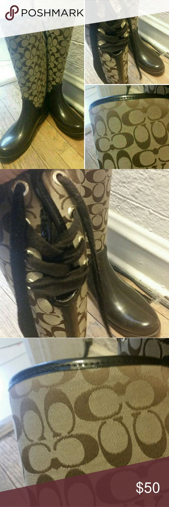 Coach Fabric rain boot size 9-10 These Coach rainboots are insulated. Thus your feet won't get cold, in cold weather, compared to other rubber rainboots. The upper half of the boots are made of thick coach materal. The shoelaces of the boots can be switch out for new ones. The bottom heel of the boots are slightly warn, due to the salt from the winter season. This can be fixed by your local shoe shop. This shoe is perfect for anyone who wears a women's shoe size 9-10. Price can be negotiable…