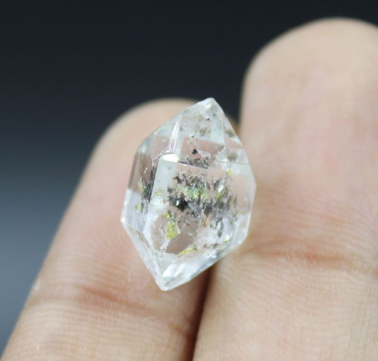 2.00 grams RARE Fluorescent PETROLEUM Diamond Quartz Crystal @ Pakistan