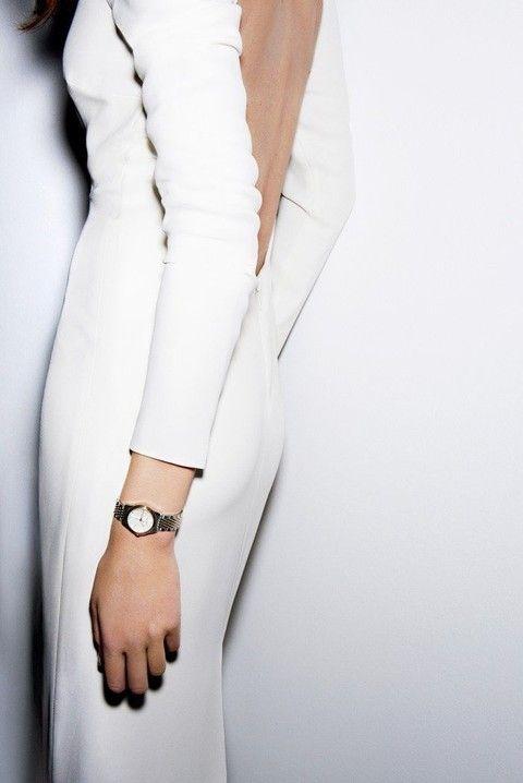50 Simples pero chic vestidos para la novia moderna | HappyWedd.com
