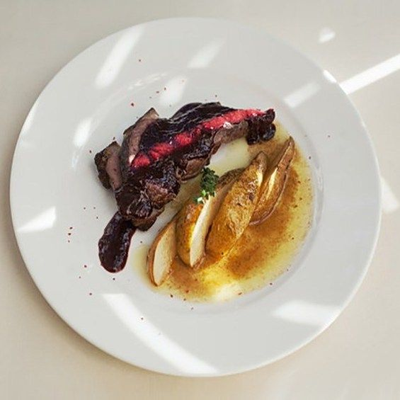 Утка магре с малиновым соусом рецепт с фото