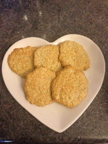 Slimming Eve: Weigh in Nerves and Oat biscuits.