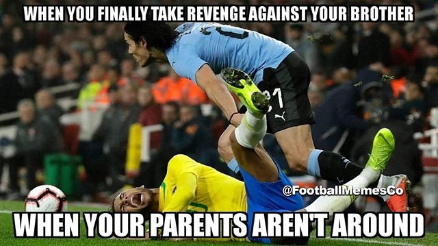 Edinson Cavani Still Hasn T Forgiven Neymar For The Penalty Gate Saga Football Memes Football Comedy Neymar