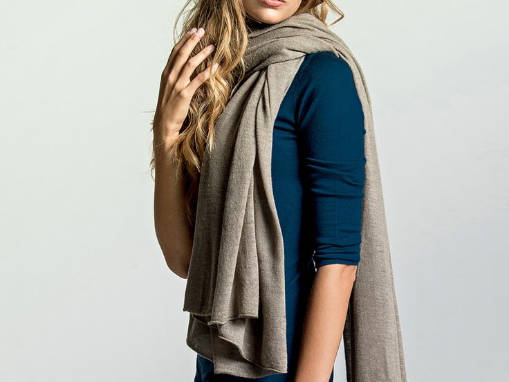 LOOM – Greige cashmere scarf