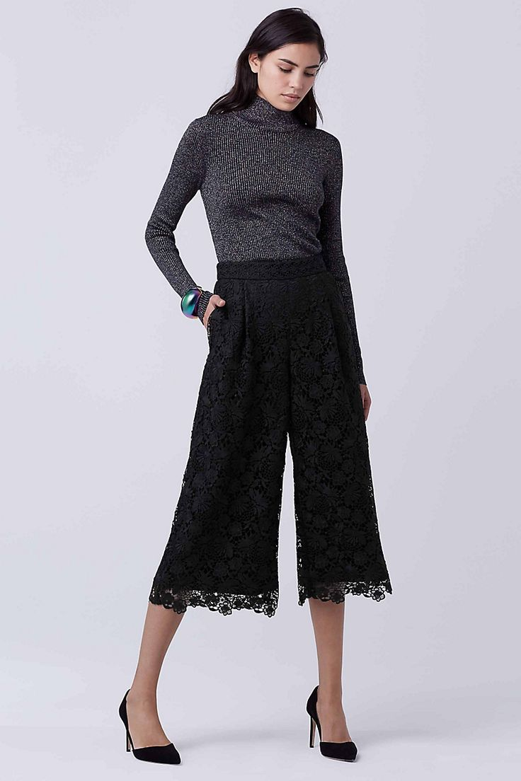 Delicate lace adds a feminine edge to this modern culotte style. Easy to pack and perfect for winter getaways, they are fully lined and come with a side zip.