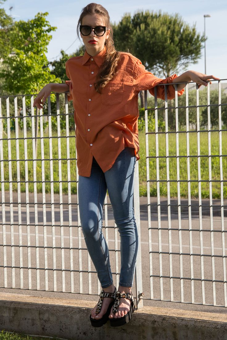 Comfortable yes, but always with style! MARGARITA SHIRT and MIMMI JEANS, with unique ZITA FLATFORMS. Shop the new ins at wesosho.com #wesocial #weshopping #wesosho