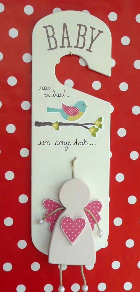 Plaque de porte BABY - On peut remplacer l'ange par un lutin ou une lutine !
