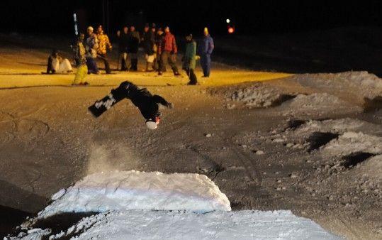 Jumps unserer Freestyler - Ski und Snowboard