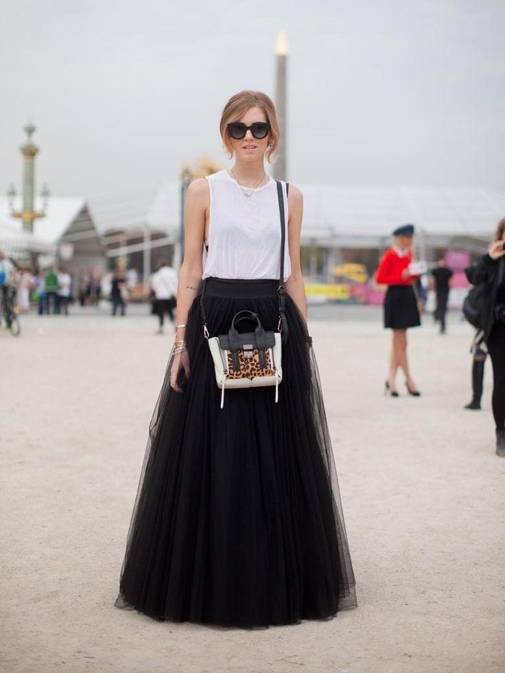 モノトーンで大人カジュアルに♪ミニマムな小物でおしゃれ上級者☆チュールプリーツスカートのコーデ♡スタイル・ファッションの参考に♪