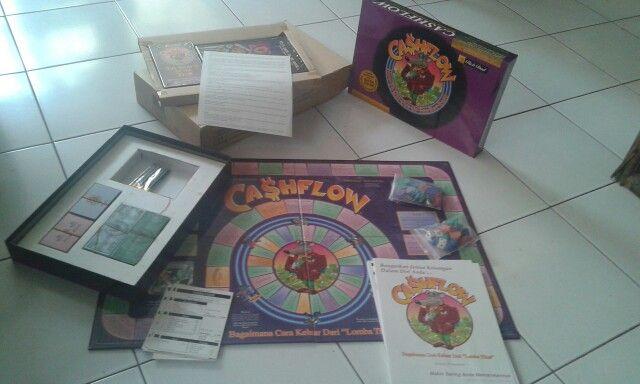 """Jual """"Cashflow Game 101"""" versi bahasa Indonesia - asli dari Robert Kiyosaki www.RichDadAsia.com (papan/board, bukan software)  Harga Rp2,500,000 + ongkos TIKI ke alamat anda.  HUB: @budi_rachmat - 08788 3249 553 ..."""
