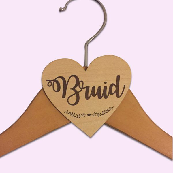 Wooden Bruid Hanger