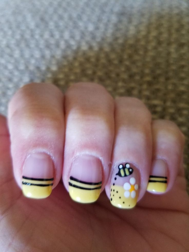 The 25 best bumble bee nails ideas on pinterest pencil nails bumble bee nails prinsesfo Image collections
