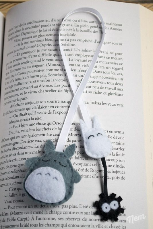Marque-pages Totoro en ruban et feutrine ouaté gris et blanc : Marque-pages par nemshop
