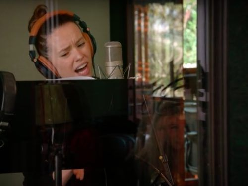You must hear Daisy Ridley sing this beautiful broadway classic with Anne Hathaway