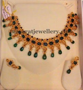 Jewellery Designs: Emeralds and Uncut Diamonds Choker