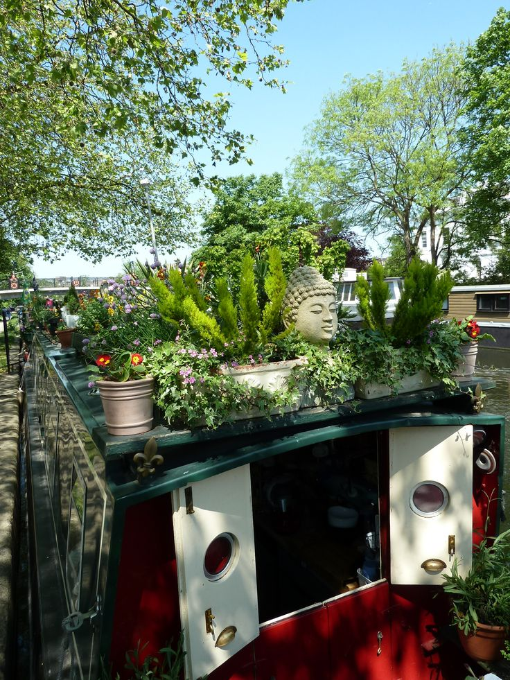 houseboats ,little venice ,london