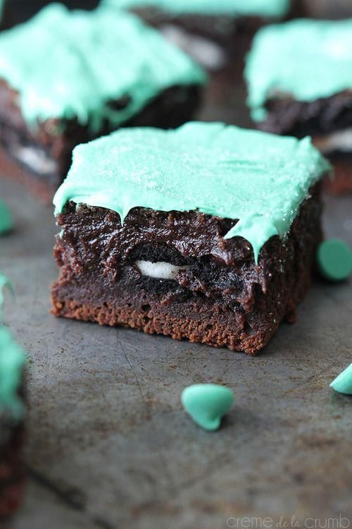Oreo stuffed mint chocolate brownies. #food | Delicious Food