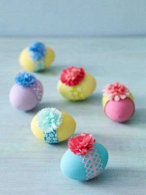 Easter eggs with Easter bonnets!