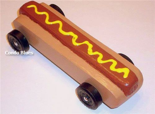 hot dog pinewood derby car
