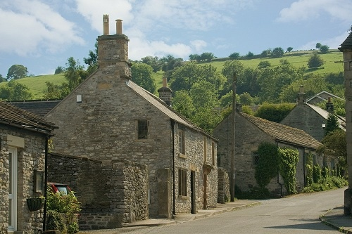 The Old Bakehouse, Calver, Derbyshire. High quality self catering accommodation, set in the heart of the Peak District, sleeping up to 15 guests.