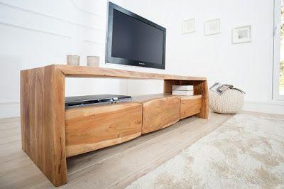 Luxusný nábytok REACTION: TV stolík AKAZZIE z masívneho dreva.