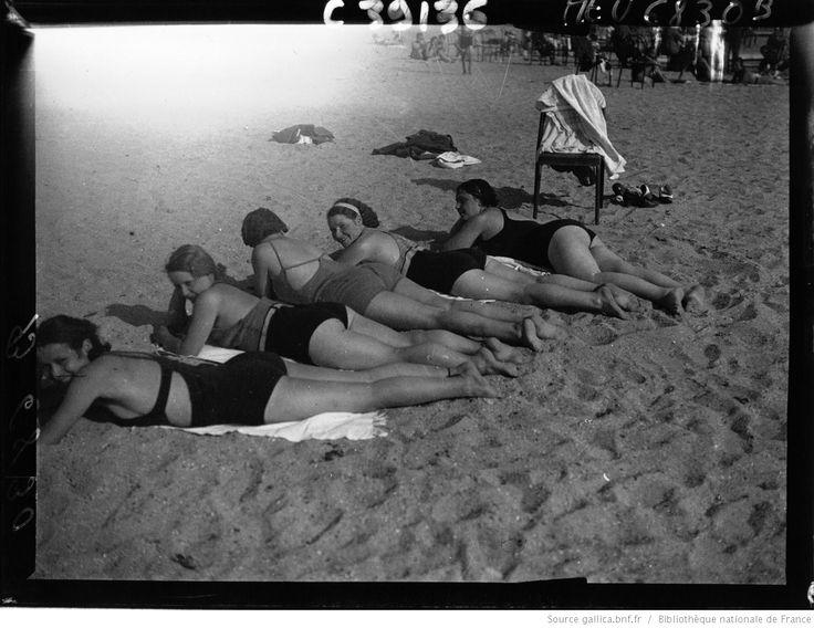 La plage de Médan | Agence de presse Meurisse | National Library of France | Public Domain