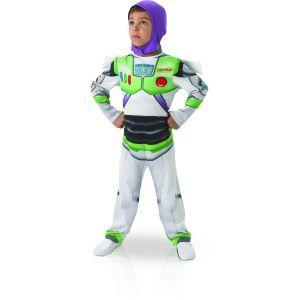 Ce costume de Buzz l'Éclair™ pour enfant se compose d'une combinaison, d'une cagoule et d'une paire d'ailes. Il est disponible en tailles S, M et L. La combinaison représente la tenue d'astronaute du célèbre personnage de Toy Story™.  Elle est de couleur