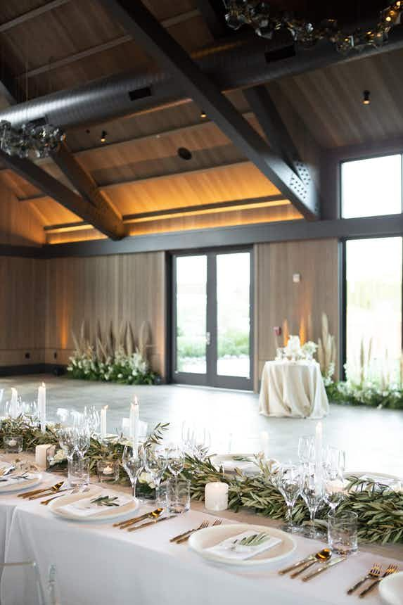 The Estate Yountville Vintage House And Hotel Villagio Wedding Venue In Yountville Ca 94599 Vintage House Napa Valley Wedding Venues Venues