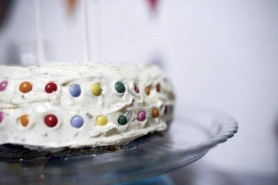 (Παν)εύκολη τούρτα γενεθλίων