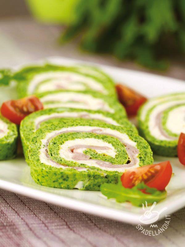 Il Rotolo di spinaci, prosciutto e formaggio è un jolly gustosissimo per una cena coloratissima all'insegna delle vitamine! Provatelo anche con la bietola!