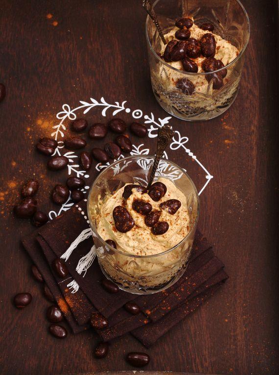 Krem kawowy #słodkości #smakołyk #deser #przepisy #krem #śmietana #czekolada #kawa #rodzynki #POLOmarket