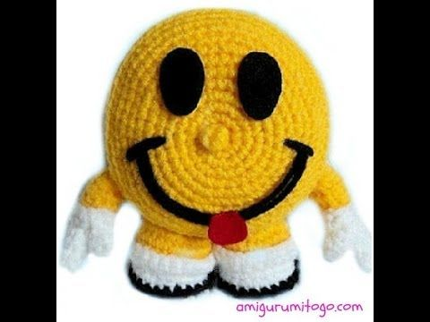 ▶ How To Crochet A Smiley Happy Face (part one) - YouTube -  (It's a 2 video tutorial)