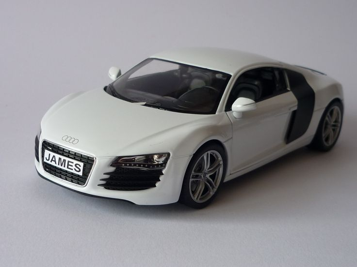 Personalised Plate 1/24 White Audi R8 V10